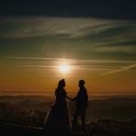 Magiczna sesja plenerowa o wschodzie słońca